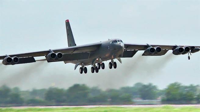 美國空軍規畫B-52會繼續是戰略空軍的成員,反而計畫將B-1、B-2等後生晚輩給退役。(圖/美國空軍)