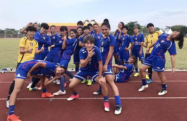請珍惜這群足球女孩的青春