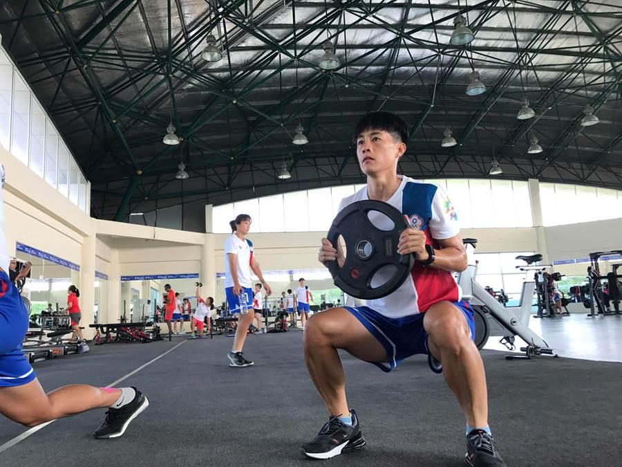 中華女足本次亞運體能提升到超越以往的檔次,負重數據大為提升,圖為前鋒賴麗琴。(劉馥榕提供)