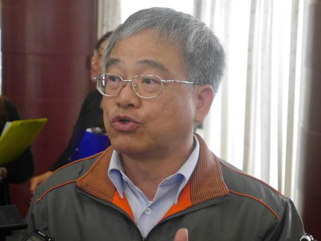 農業處長羅文龍申請退休。(許家寧攝)