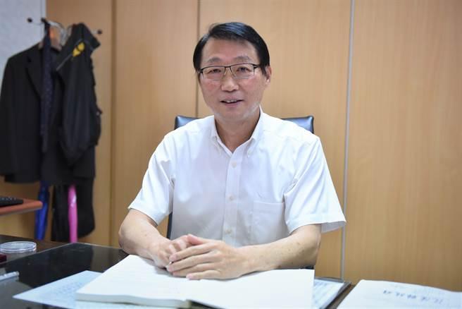 財政部長劉台文退職。(許家寧翻攝)