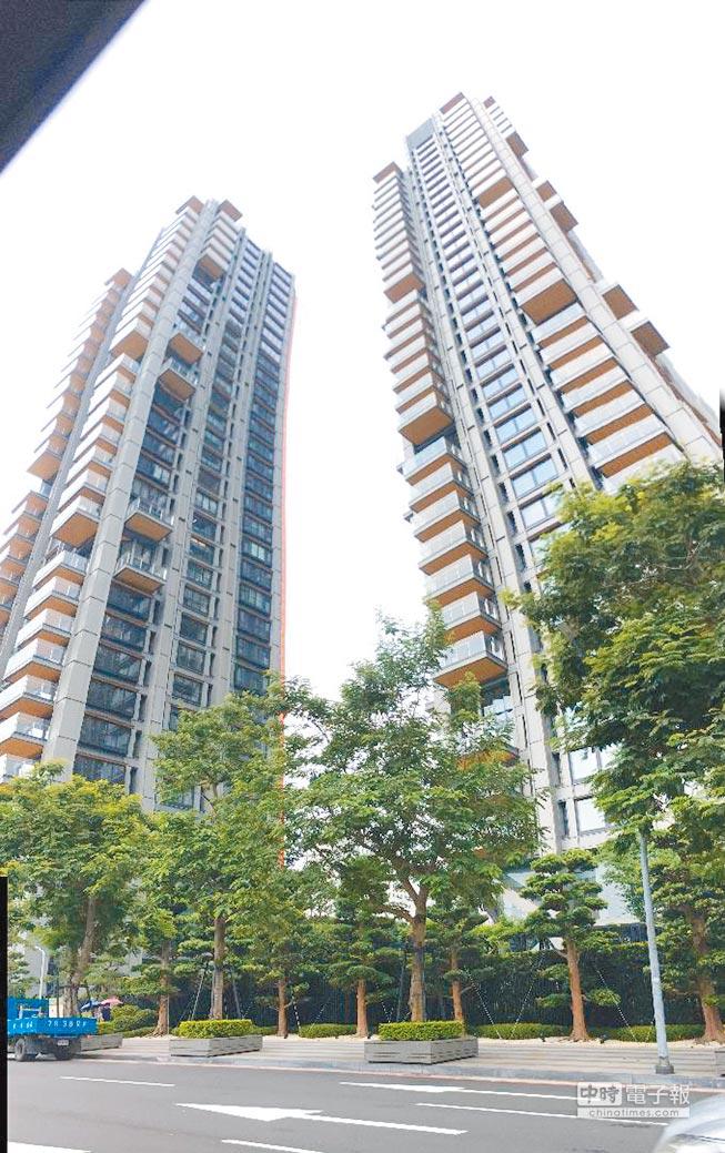 「One Park Taipei元利信義聯勤」實價揭露,28樓每坪突破283萬元;市場預期頂樓有機會突破「彭淮南防線」300萬元關卡。圖/蔡惠芳