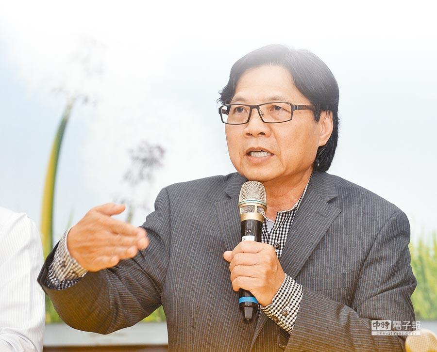 教育部長葉俊榮12日舉行記者會,要求台大校長遴選會正式召開會議,重啟校長遴選。(劉宗龍攝)