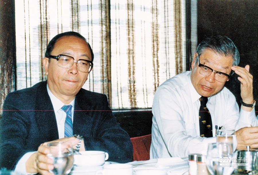 左起胡佛、楊國樞。(本報系資料照片)