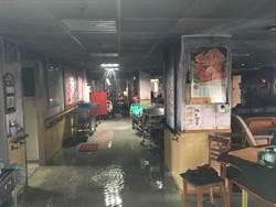 台北醫院惡火奪14命 病患自備床墊釀災