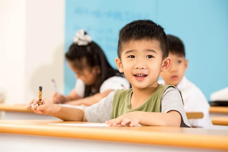KUMON幫助孩子激發各項潛能、建立安全感,逐步擁有自學的態度和能力。(圖/KUMON 提供)