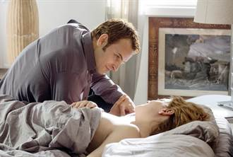 義大利男星全裸床戰露「大鵰」 影后情迷舔菊衝2億票房