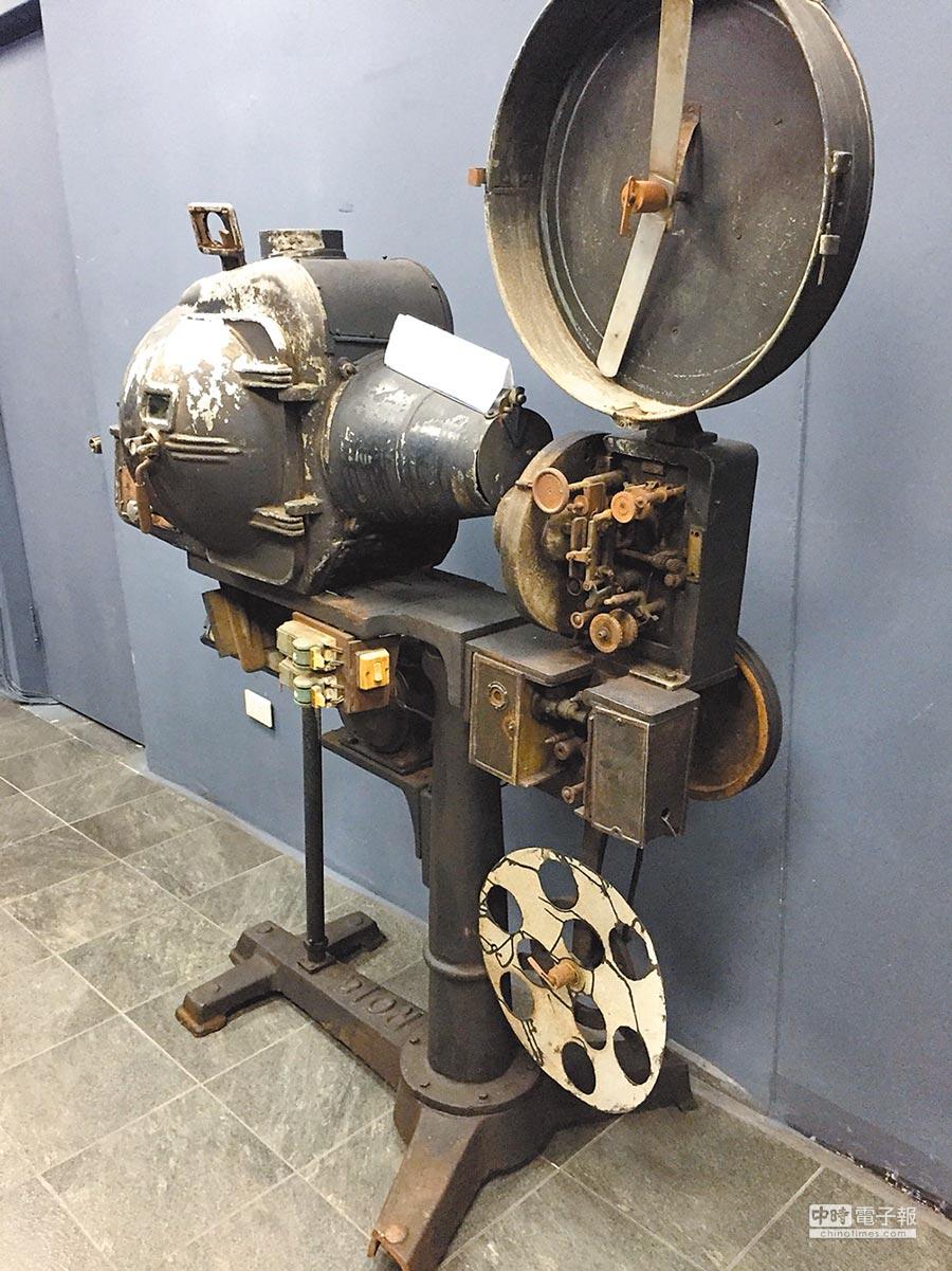 碳精棒放映機。(新竹市影像博物館提供)