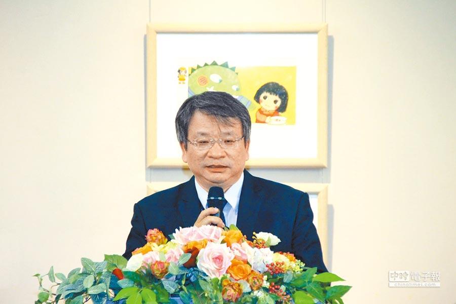 國臺圖鄭來長館長希望民眾以豐富的角度品味歷史與生活。(國立臺灣圖書館提供)