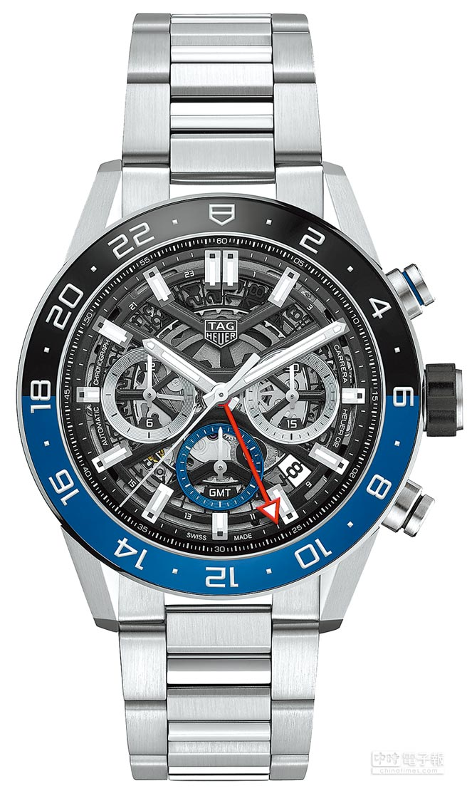 TAG Heuer Carrera Heuer 02 GMT兩地時間腕表,精鋼鍊帶款19萬8500元。(TAG Heuer提供)