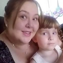 穿越時空?7歲女兒出現鏡頭前 母嚇壞:這是10年前舊照