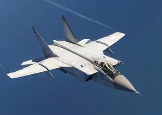 技術故障 3馬赫怪獸米格-31在俄中部墜毀