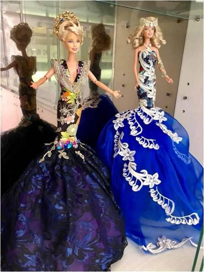 學生們將零碼剩餘布料,製成華麗的芭比娃娃造型。(經國管理暨健康學院提供)