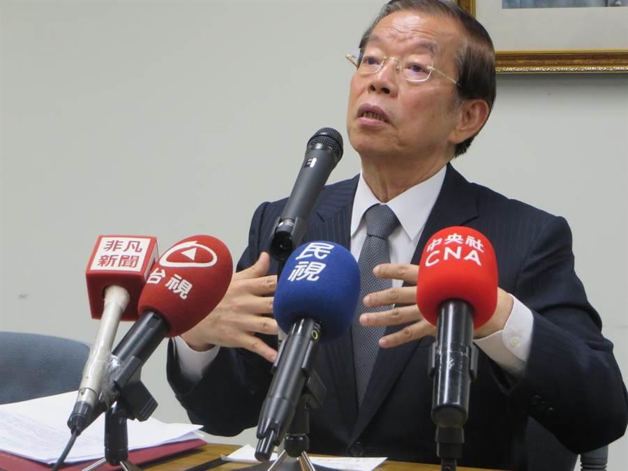 駐日代表謝長廷19日在東京駐日代表處召開記者會,(黃菁菁攝)