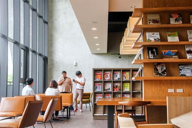 台中李科永紀念圖書館20日開幕,館內讀書空間規劃,非常舒適。(台中市政府提供)