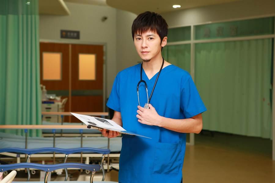 李國毅在《麻醉風暴2》飾演天才外科醫師。(公視)