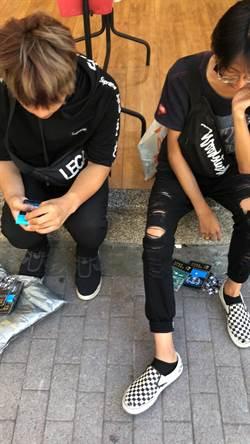 硬纏香港母女買愛心筆 警西門町逮2青年