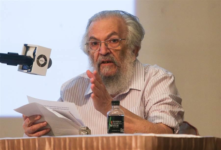 唐獎教育基金會9月22日在台北福華國際文教會館舉辦「唐獎第3屆得獎人演講」,法治獎得獎人約瑟夫‧拉茲(Joseph Raz)以「法自身之品性」為題,就法律本質進行概念性分析,提出精闢獨到的見解。(中央社)