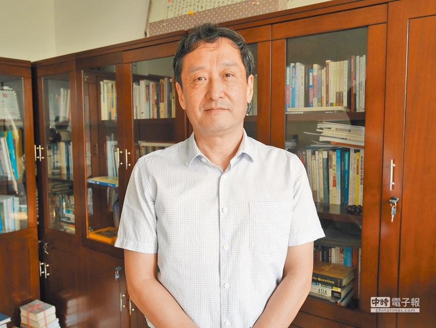 北京大學國際關係學院副院長王逸舟近日接受本報專訪,談大陸如何邁向仁智大國。(記者陳君碩攝)