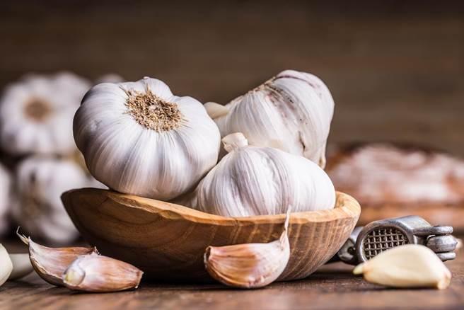 大蒜中獨有的硫化合物,也算是心血管保健的一大聖品(圖/達志影像)