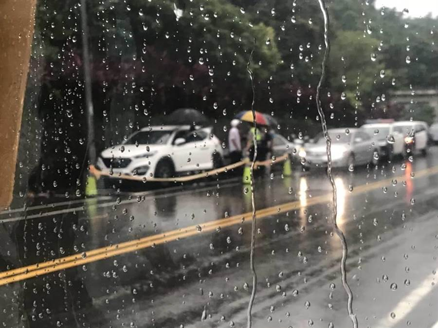 廖男被發現陳屍在車上。(翻攝自基隆人大小事臉書)