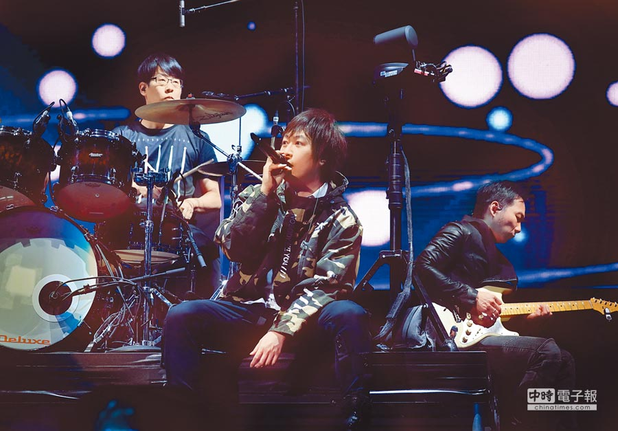 五月天暌違6年再到雪梨開唱,站上多個搖滾巨星曾演出過的舞台讓他們興奮不已。