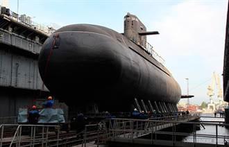 俄國喀琅施塔得號柴電潛艦下水 號稱水下隱形