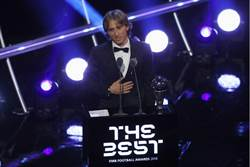 耍大牌?C羅、梅西缺席FIFA年度頒獎挨批