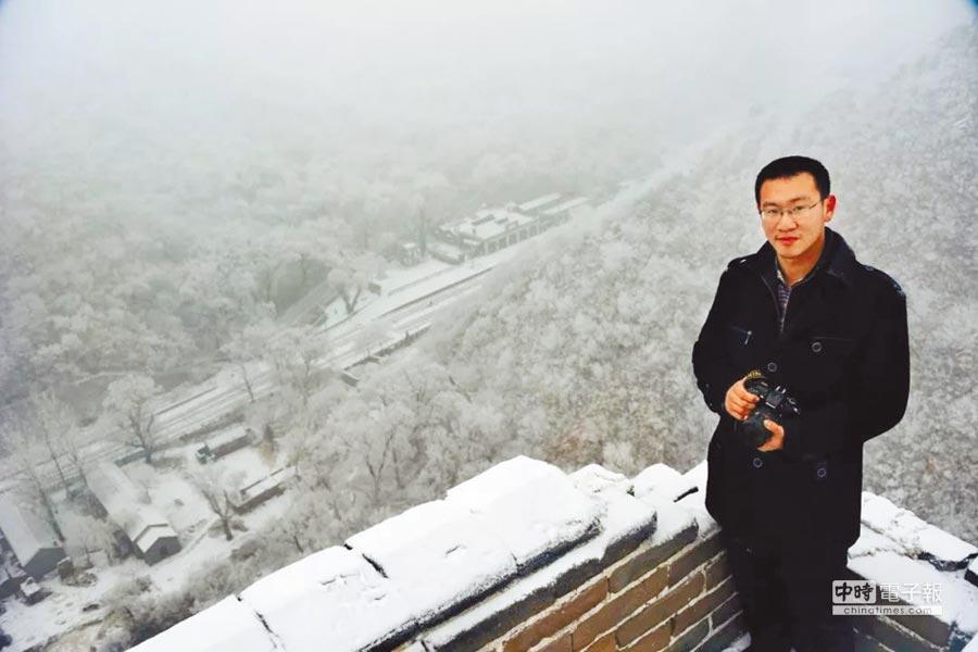 王嵬是一個資深的火車迷,從5年前開始,投身於老京張鐵路的記錄和保護工作中。(取自澎湃新聞網)