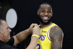 NBA》下周一湖人首秀 詹皇:布萊恩歡迎我意義重大