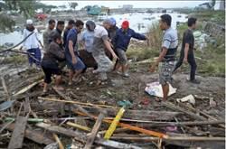 影》慘!奪命6米海嘯吞噬戲水民眾 印尼強震近千死傷