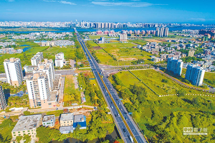 海南將設自由貿易港。圖為空拍海口江東片區。(中新社資料照片)