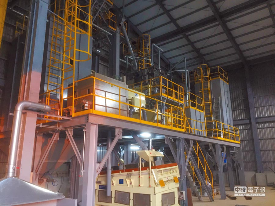 位於桃園新屋的北部地區大豆集貨處理中心。(本報系資料照片)