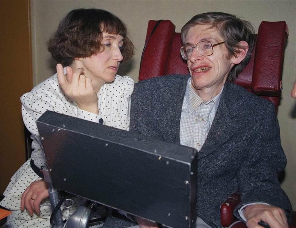 霍金與潔恩霍金,攝於1989年。(圖/美聯社)