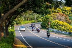 139線彎道多事故頻傳 彰縣府增設反光標記與防撞交通桿