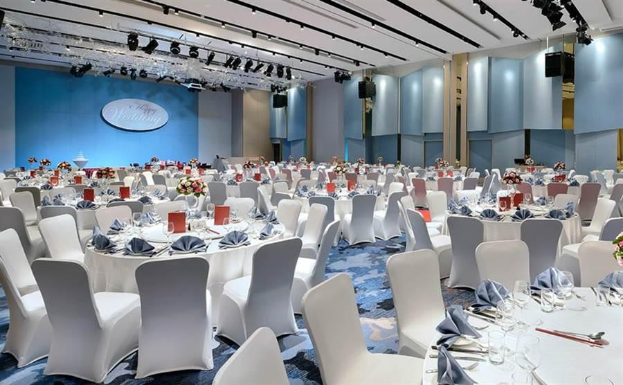 台北新板希爾頓酒店有獨棟式宴會樓,並有3大宴會廳與9個多功能會議廳,除可舉辦高檔婚宴,並可舉辦會展。(圖/台北新板希爾頓酒店)