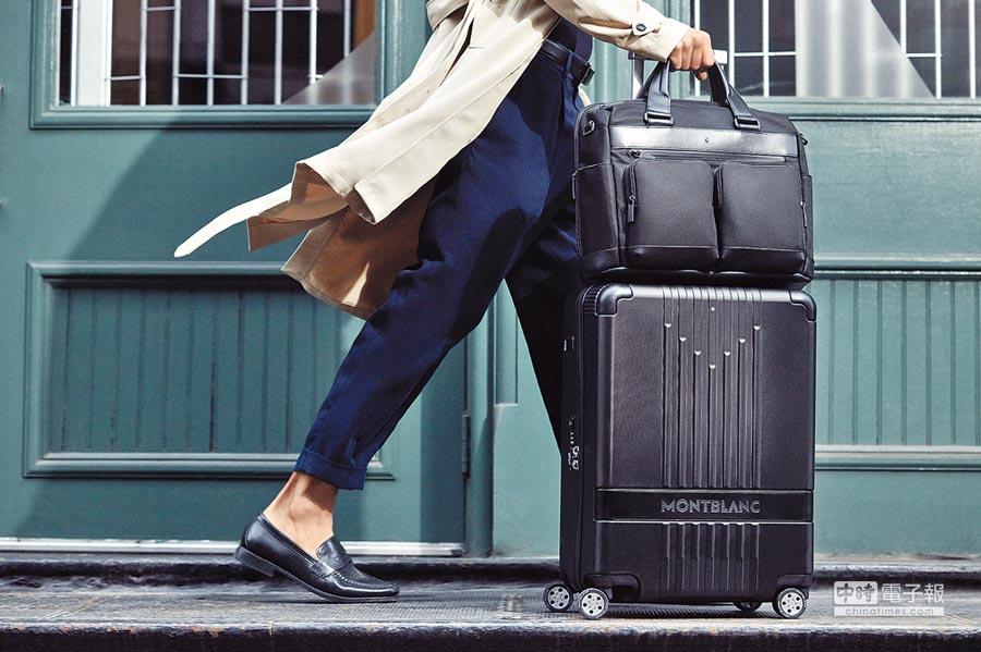 萬寶龍搶進行李箱市場,以頂級皮革裝飾細節更添質感,新款#MY4810行李箱一上市就缺貨。(Montblanc提供)