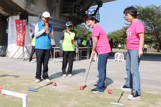 台中》盧秀燕參加槌球賽開幕活動 展露身手進球得分