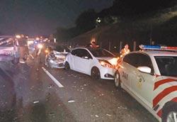 國道9車連環撞 警車也遭殃