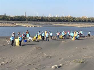 社會勞動人台西淨灘 擦亮西海岸的珍珠