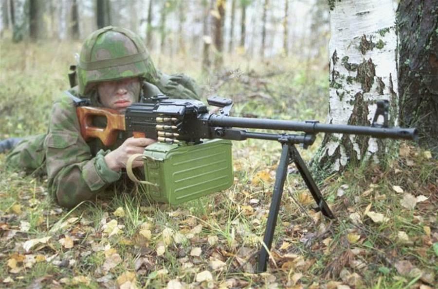 AK槍廠的PKM機槍,也可能被美國仿造。(圖/網路)