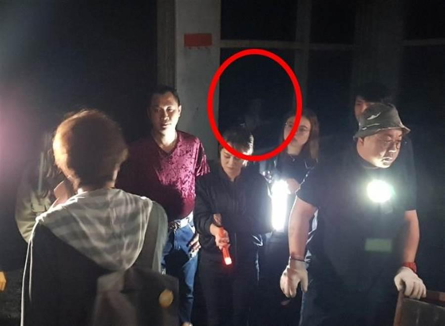 節目《晚八找樂子》拍攝時疑似被拍下靈異照片。