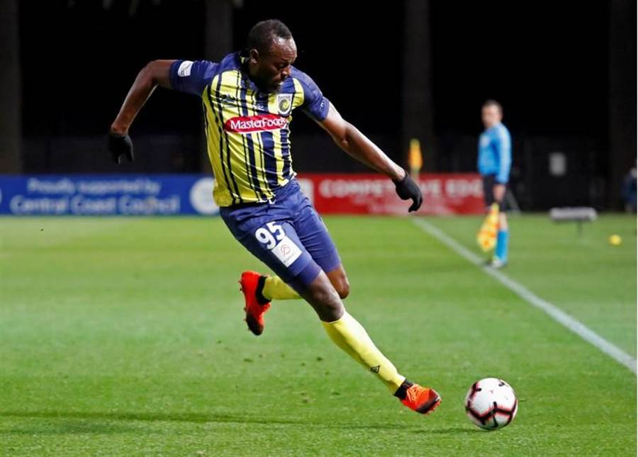 牙買加飛人波特在足球練習賽首次先發,就攻入兩顆進球。(路透資料照)