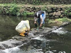 要喝乾淨水 竹科媽媽與環保署調查頭前溪水質