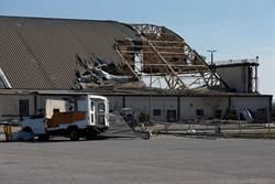 影》太傷!颶風重創美空軍基地 F-22 QF-16遭殃