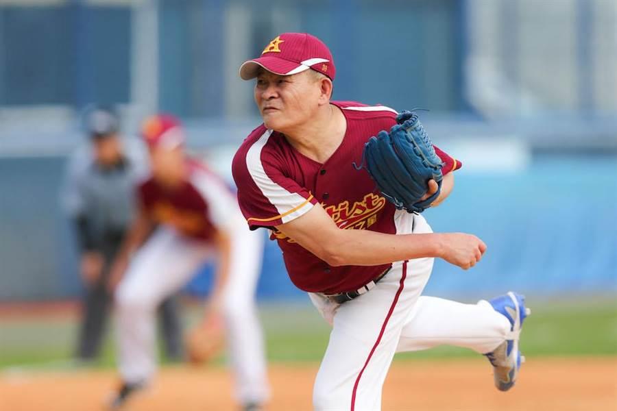 台韓明星公益棒球賽澎恰恰擔任先發投手。(圖/台灣明星棒球隊提供)