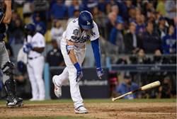 MLB》道奇倒楣透頂 球員打到崩潰摔棒