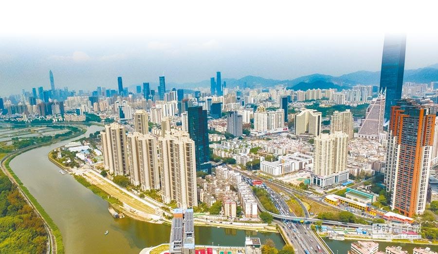 深圳的國際城市競爭力在大陸排名第一。圖為深圳市景。(新華社資料照片)