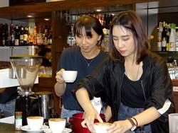 正修咖啡茶飲班結訓   寒軒內向咖啡 媒合無縫接軌