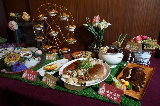 福容大飯店樂園店福粵樓推出花系列料理,道道都以花入菜,以花命名。(王文吉攝)